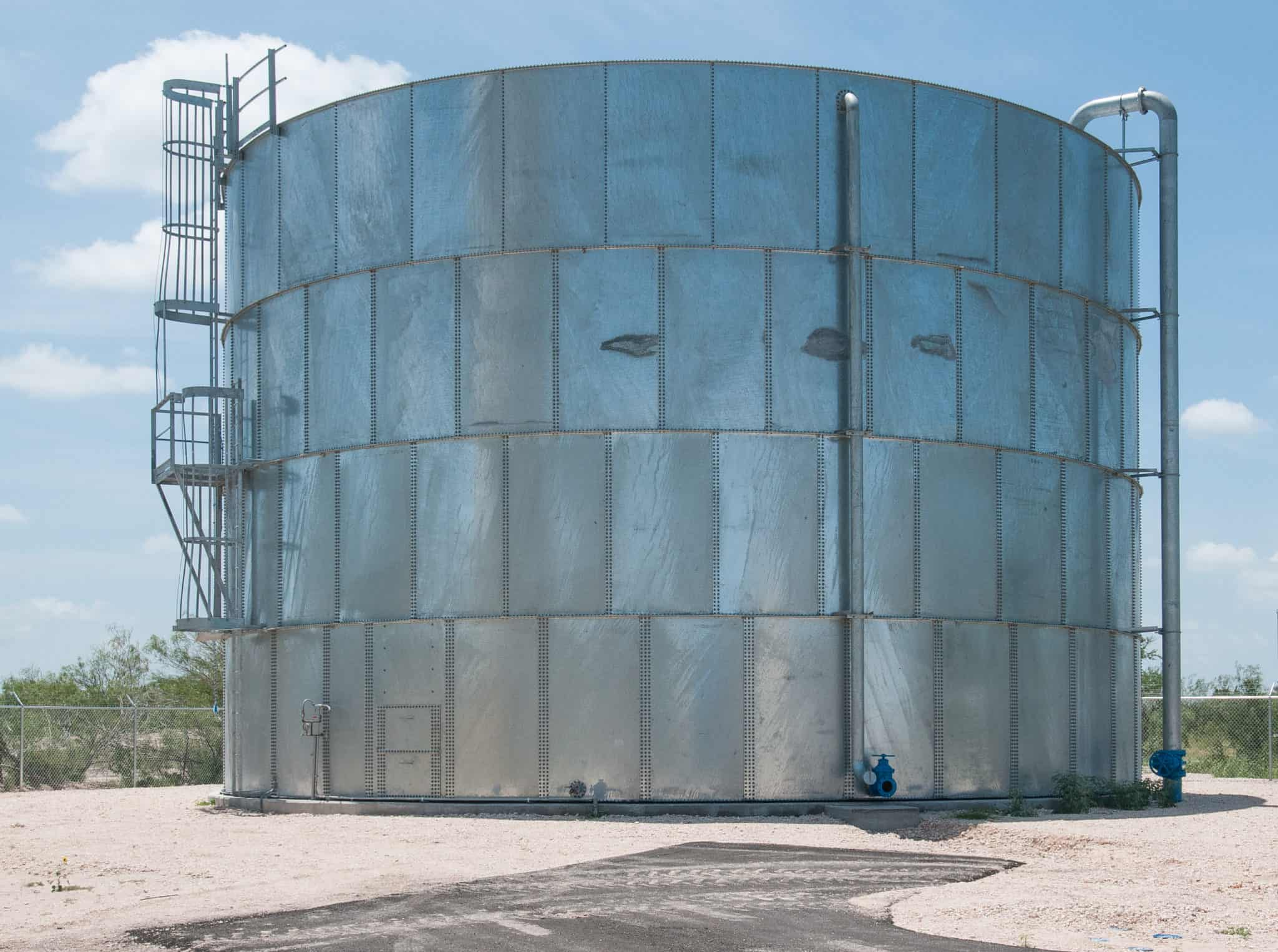 demineralized water storage tank